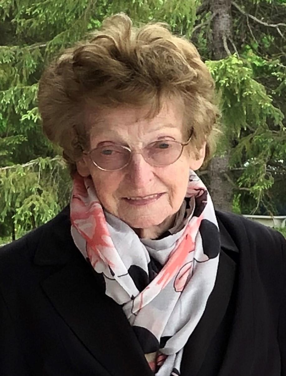 Marielle April Cloutier
